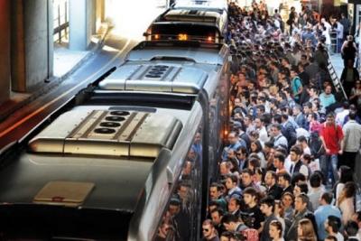 Metrobüslerde yeni dönem başladı: Ara duraklarda durmayacak...