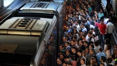 Metrobüs'te taciz! Kenara çekildim, dokunmaya devam etti...