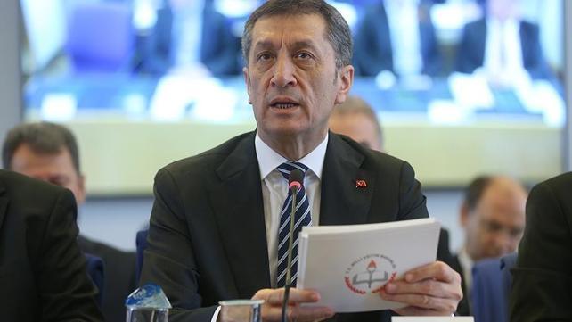 Milli Eğitim Bakanı: Velilerden para talep edenlere soruşturma başlatılacak