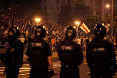 Minsk'te halk ayaklanması büyüdü, bölgelere güvenlik güçleri sevk ediliyor