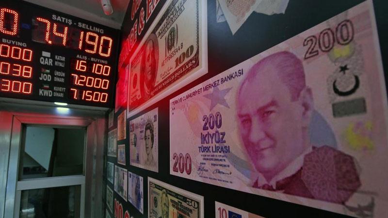 Moody's, Türkiye'nin kredi notunu düşürdü