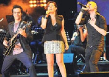 Nilüfer'den Gezi şarkısı! Bu da ayyaş şarkısı olsun!