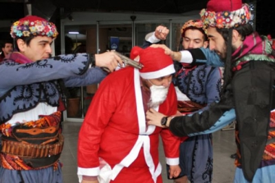 Noel Baba'ya silah dayayanlara soruşturma yok