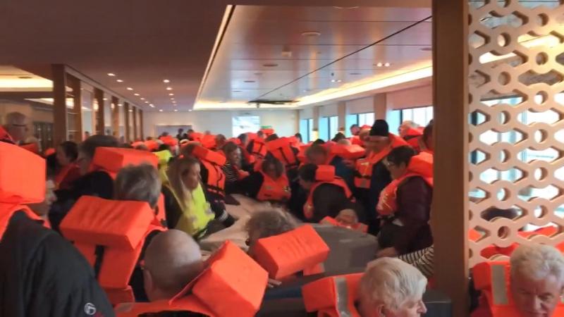 Norveç'te motoru arızalanan gemideki yolcular tahliye ediliyor! 155 kişi kurtarıldı