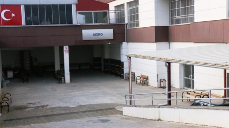 Öğretmen otomobilinde ölü olarak bulundu