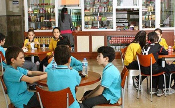 Okul kantinlerinden gazlı içecekler cips gibi yiyecekler kaldırılıyor