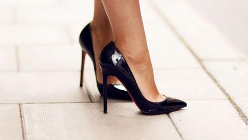 Okul müdüründen öğretmenlere topuklu ayakkabı yasağı