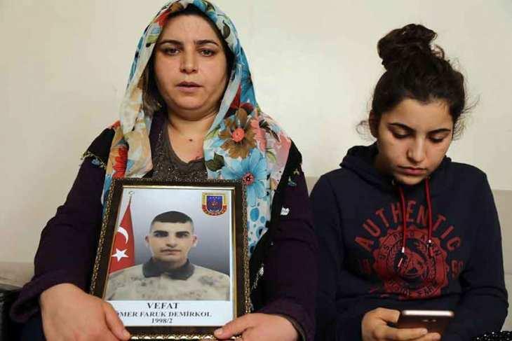 Ölen askerin annesi: Komutan tehdit etti, oğlumun ölümüne intihar süsü verildi!
