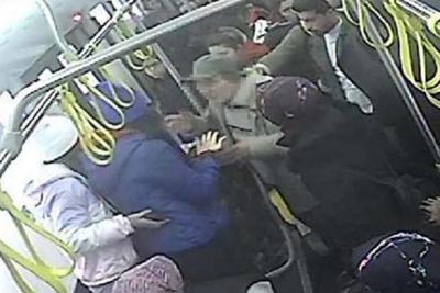 Otobüste iki genç kadına taciz iddiası