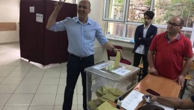 Oyunu kullanan Ahmet Şık: Bugün bu mafyalardan kurtulacağız