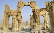IŞİD antik kentteki kemeri havaya uçurdu!
