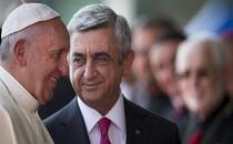 Papa, Ermenistan ziyaretinde 'soykırım' dedi!