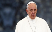 Papa göçmenlere destek için Midilli'ye gidiyor!
