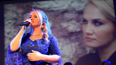Pınar Aydınlar'a trafikte saldırı