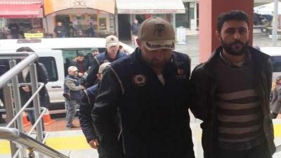 Polis, Twitter gözaltılarını mehter marşıyla adliyeye getirdi