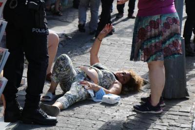 Polislerin önünde sevgilisine kurşun sıktı
