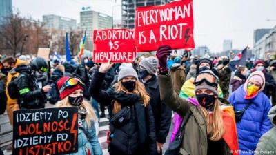 Polonya: Kürtaja sadece tecavüz ve sağlık risk altındaysa yasal izin verilecek