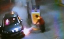 Pompacı hırsızı benzin döküp yaktı!