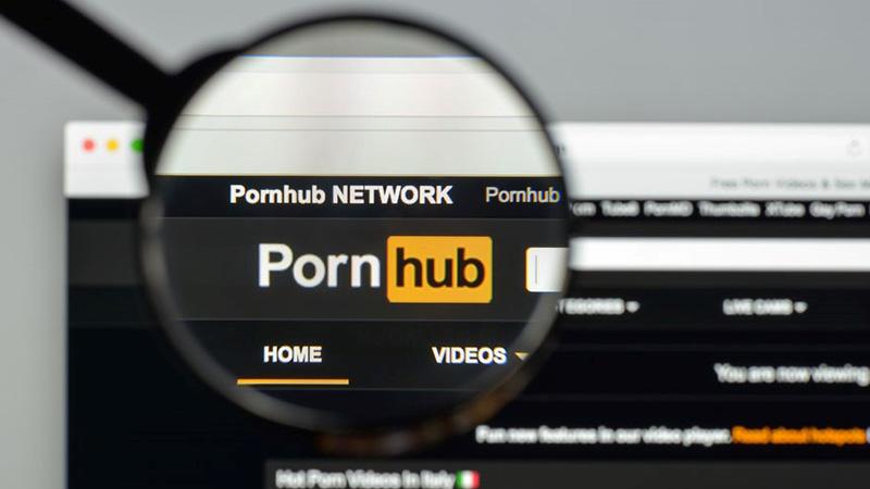 Pornhub'a kadınları pornoya zorladığı gerekçesiyle dava açıldı!