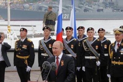 Putin: Savunma sistemlerini delip geçecek füzelere gereksinimimiz var