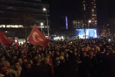 Rotterdam Belediye Başkanı: Gerekirse Konsolosluk etrafında 'Noodbevel' ilan ederiz
