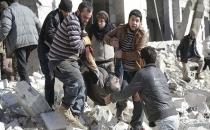 Rus uçakları Suriye'ye varil bombası attı: 70 ölü!