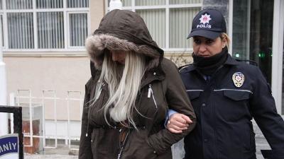 Samsun'da genç kadın tartıştığı erkek arkadaşını sırtından bıçakladı