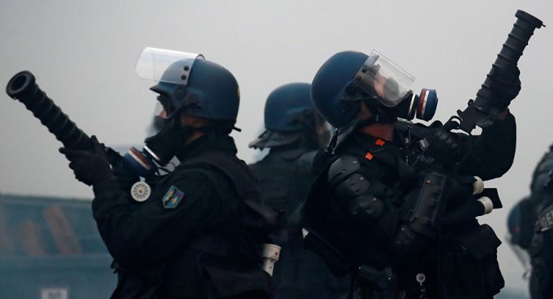 Sarı Yelekler eylemlerinde polise ateş açma izni