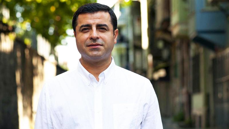 Selahattin Demirtaş'ın fotoğrafını paylaşan avukata soruşturma