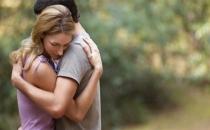 Sevdiğin birine sarılmak ruh halini düzeltiyor!