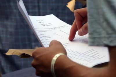 Sınavlara dublör sokan milletvekili üniversiteden atıldı