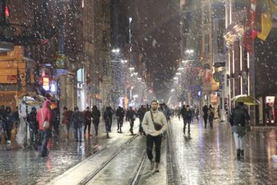 'Soğuk ve yağışlı hava perşembe gününden itibaren azalacak'