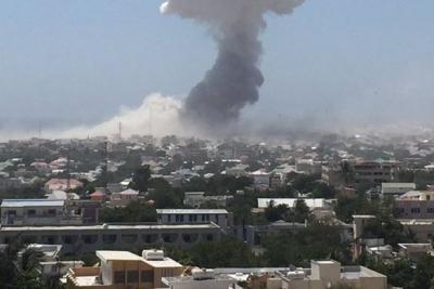 Somali'de 2 patlama! Ölü ve yaralılar var...