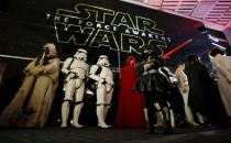 Star Wars 1 milyar dolara dayandı!