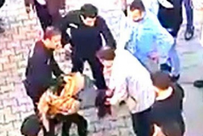 Taciz şüphelisi darp edilerek polise teslim edildi