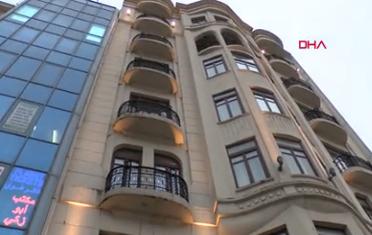 Taksim'de otelin sekizinci katından 2 kişi düştü