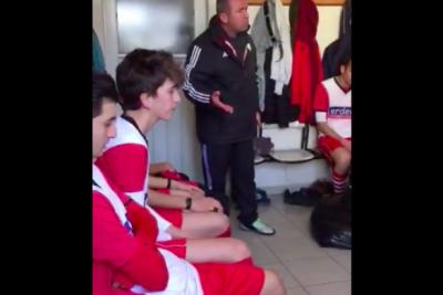 Halit Kurt isimli antrenör futbolcuları dövdü