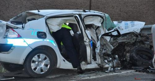 Zincirleme kaza: 1 polis öldü, 3 yaralı!