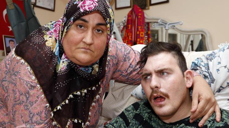 Trafik kazası sonrası yatalak olan Rus genci evlat edinen Gülsüm Kabadayı'nın hikâyesi film oluyor