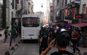 Trans Onur yürüyüşüne polis müdahalesi!