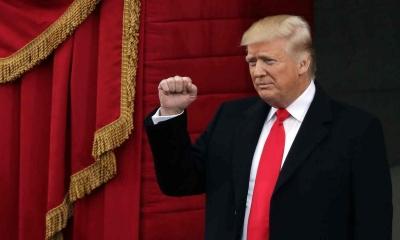Trump, yeminin ardından başkanlık görevine başladı