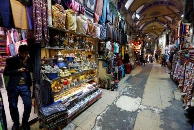 Turist azaldı, döviz yükseldi, Kapalıçarşı esnafı taşınıyor