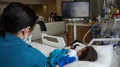 Türkiye'deki koronavirüs dalgası çocukları nasıl etkiliyor?