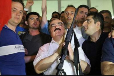 'Valiler tarafından halka silah taşıma izni verilecek'