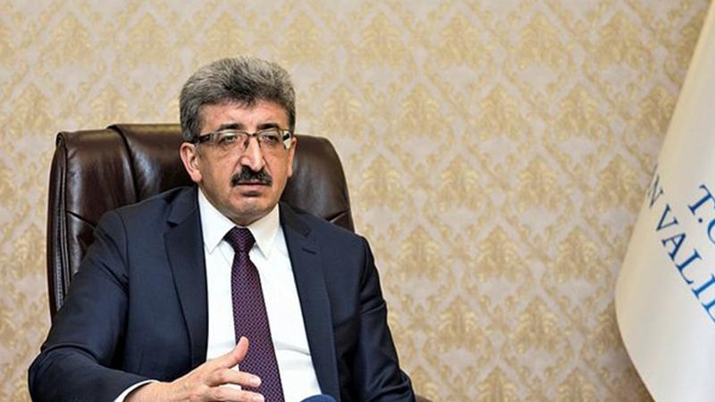 Van Büyükşehir Belediyesi'ne kayyım atanan Bilmez: Cumhurbaşkanının resmi indirilmiş, yeniden astık