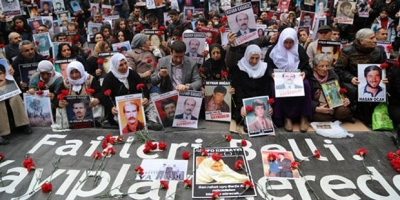 Yasağa rağmen Cumartesi Anneleri'nin 700. hafta oturma eylemi başladı! 23 gözaltı