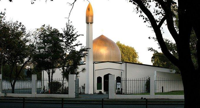 Yeni Zelanda'da saldırı yapılan Al Noor ve Linwood camileri ziyarete açıldı