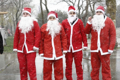 Yılbaşında polisler 'Noel baba' kılığına girecek