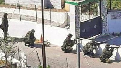 Yunanistan askerleri Türk köyüne girdi