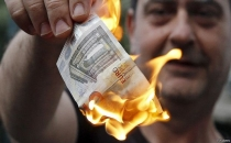 Yunanistan'da bankalar 1 hafta kapalı!